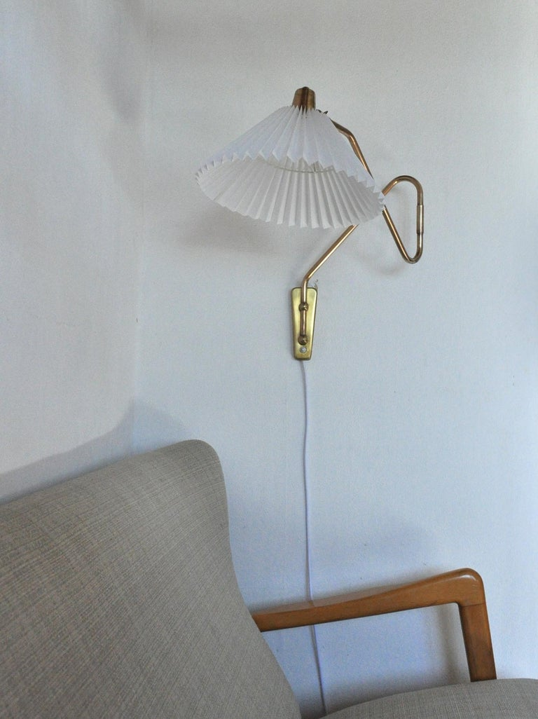 Brass Wall Lamp by Norwegian Astra in the 1950s In Good Condition For Sale In Vordingborg, DK