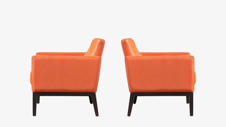 Mid-Century Modern Brayton International Club Chairs in Orange Leather, Pair For Sale
