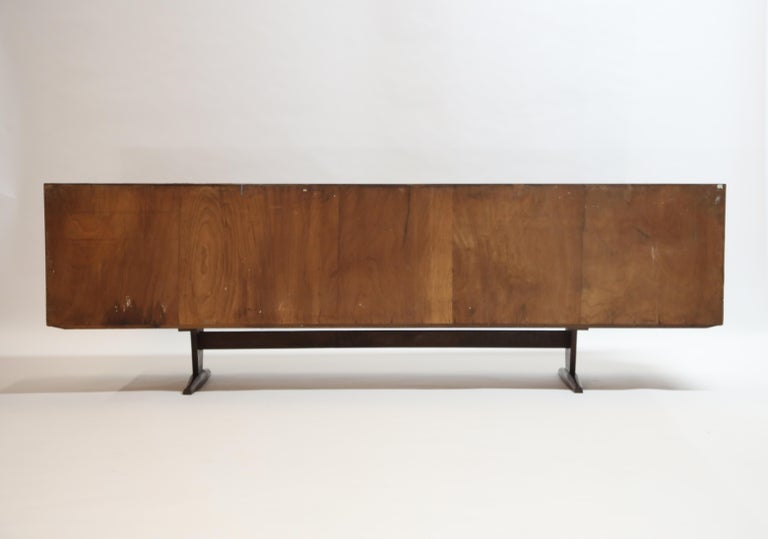 Brazilian Jacaranda Rosewood Parquetry Sideboard by Giuseppe Scapinelli, 1960s For Sale 5