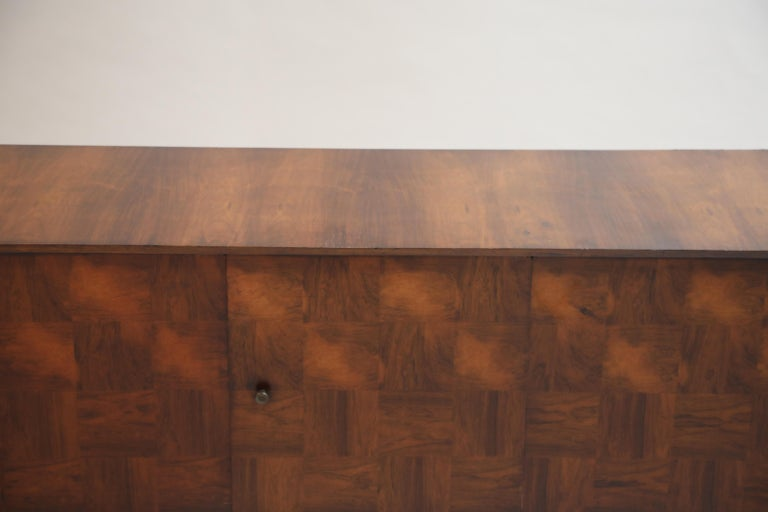 Brazilian Jacaranda Rosewood Parquetry Sideboard by Giuseppe Scapinelli, 1960s For Sale 7