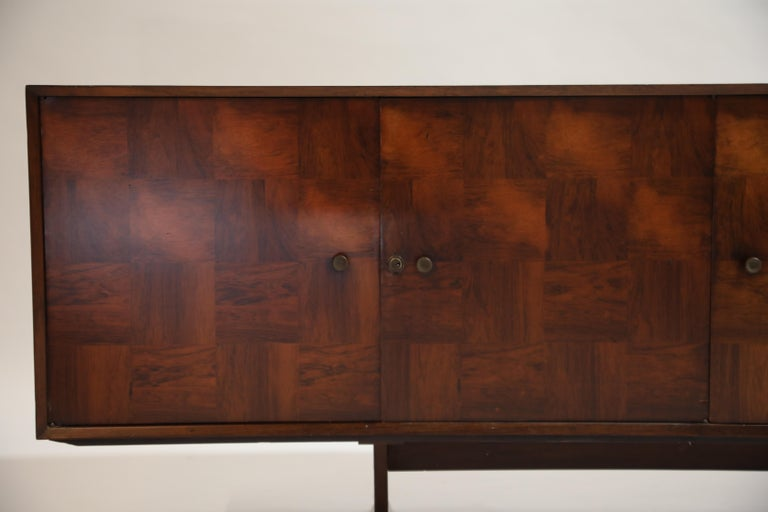 Brazilian Jacaranda Rosewood Parquetry Sideboard by Giuseppe Scapinelli, 1960s For Sale 8