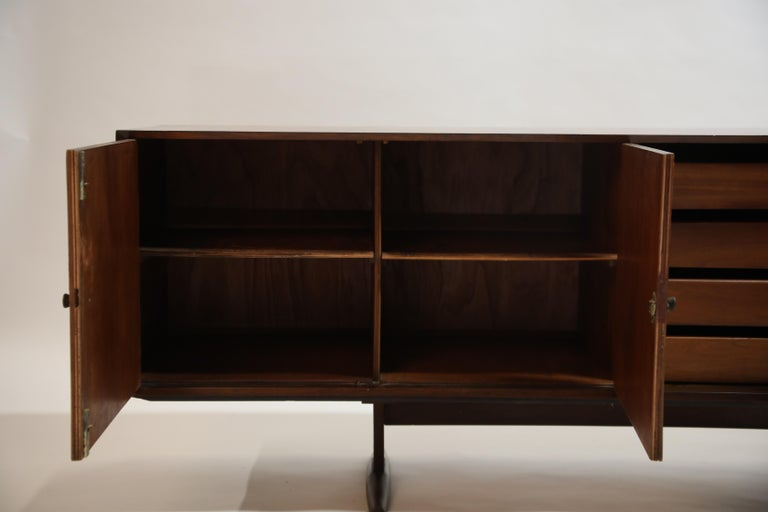 Brazilian Jacaranda Rosewood Parquetry Sideboard by Giuseppe Scapinelli, 1960s For Sale 10
