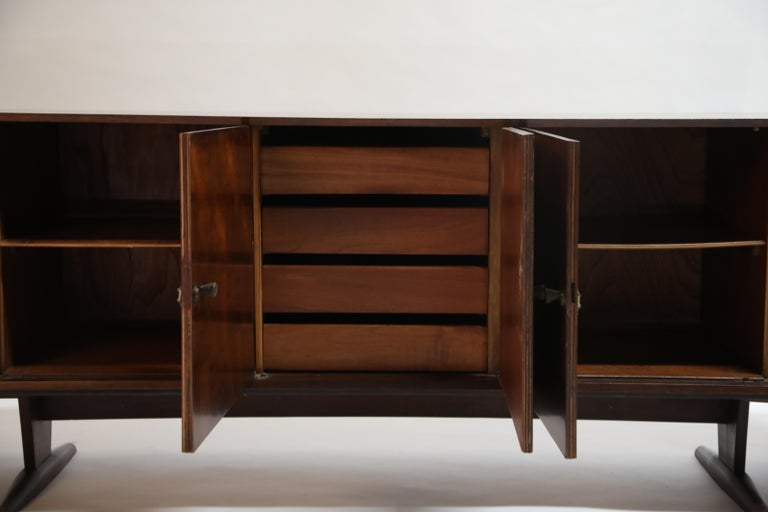 Brazilian Jacaranda Rosewood Parquetry Sideboard by Giuseppe Scapinelli, 1960s For Sale 11