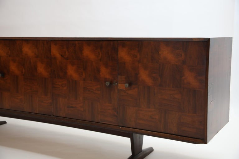 Brazilian Jacaranda Rosewood Parquetry Sideboard by Giuseppe Scapinelli, 1960s For Sale 12