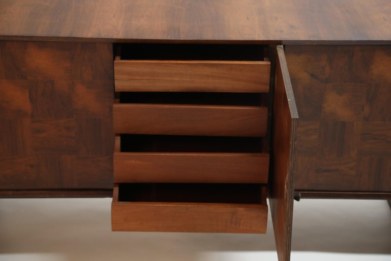 Brazilian Jacaranda Rosewood Parquetry Sideboard by Giuseppe Scapinelli, 1960s For Sale 14