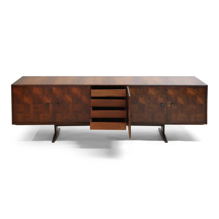 Brazilian Jacaranda Rosewood Parquetry Sideboard by Giuseppe Scapinelli, 1960s In Good Condition For Sale In Los Angeles, CA