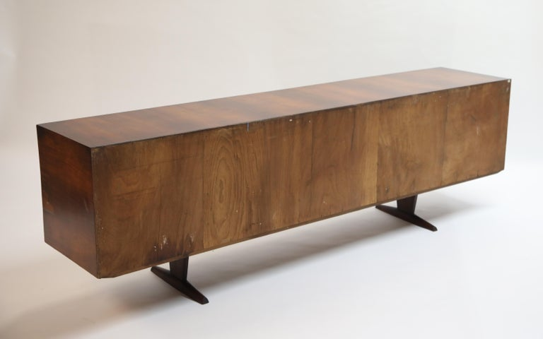 Brazilian Jacaranda Rosewood Parquetry Sideboard by Giuseppe Scapinelli, 1960s For Sale 4