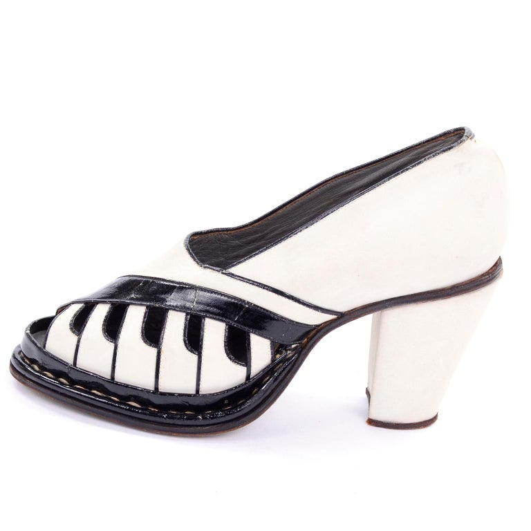 Brazilian Leather 1940s Novelty Peep Toe Platform Heels Piano Key Vintage Shoes For Sale 3