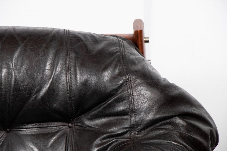Brazilian Leather Tufted Sofa by Percival Lafer, circa 1960 In Good Condition For Sale In Surbiton, GB