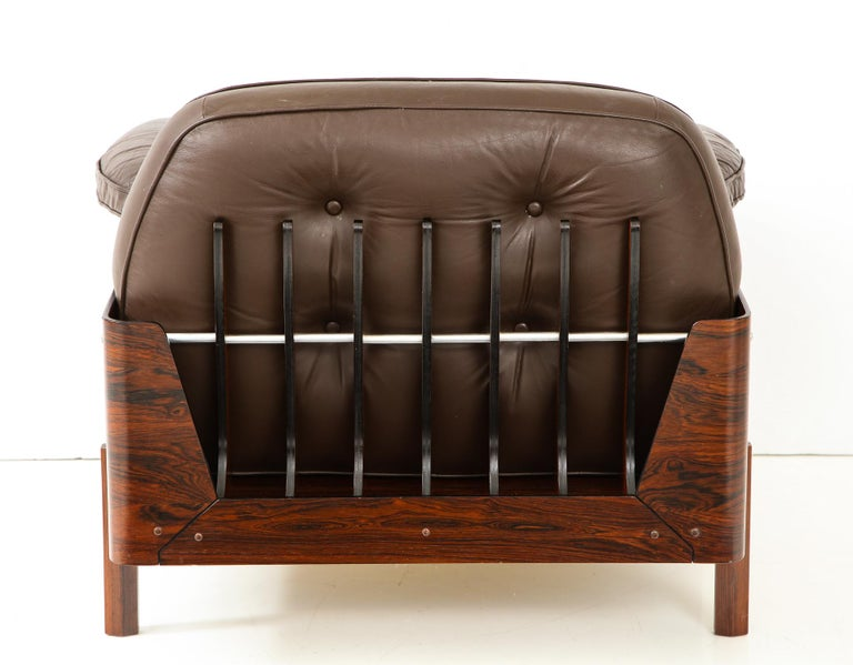 Mid-Century Modern  Lounge Chair in Jacaranda and Brown Leather by J.D. Moveis e Decoracoes For Sale