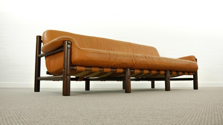 Brazilian Lounge Sofa in Cognac Leather, 1970s For Sale 4