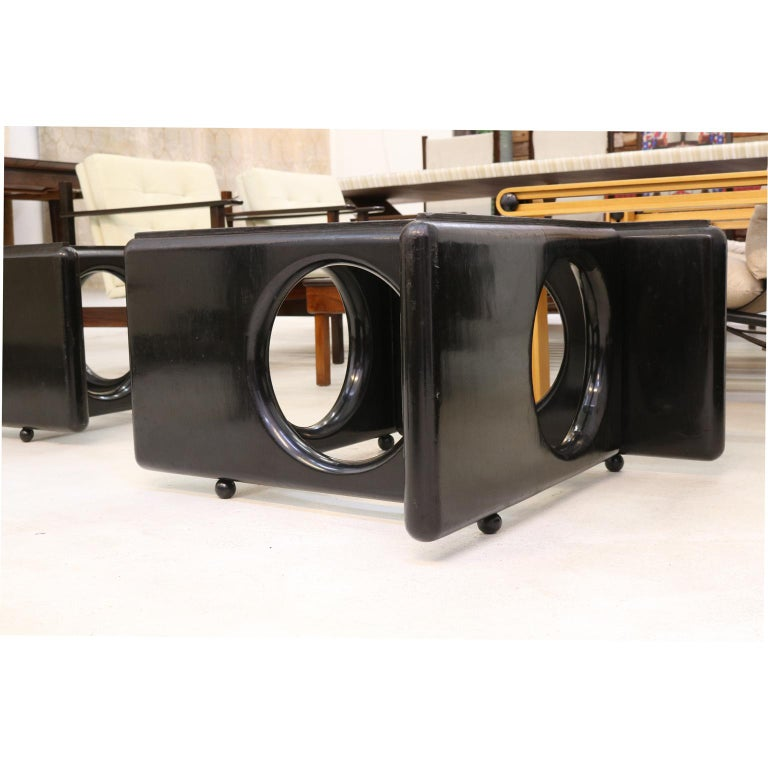 Post-Modern Brazilian Modern Coffee Table by Sergio Rodrigues in Lacquered Wood For Sale