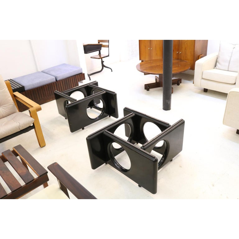 Brazilian Modern Coffee Table by Sergio Rodrigues in Lacquered Wood In Good Condition For Sale In Sao Paulo, SP