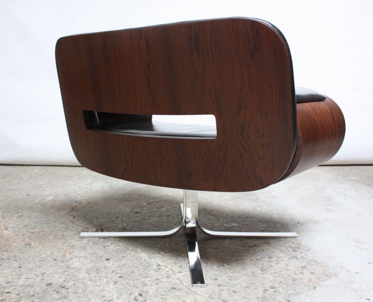 Brazilian Modern Jacaranda and Leather Swiveling Lounge Chair by Jorge Zalszupin For Sale 5