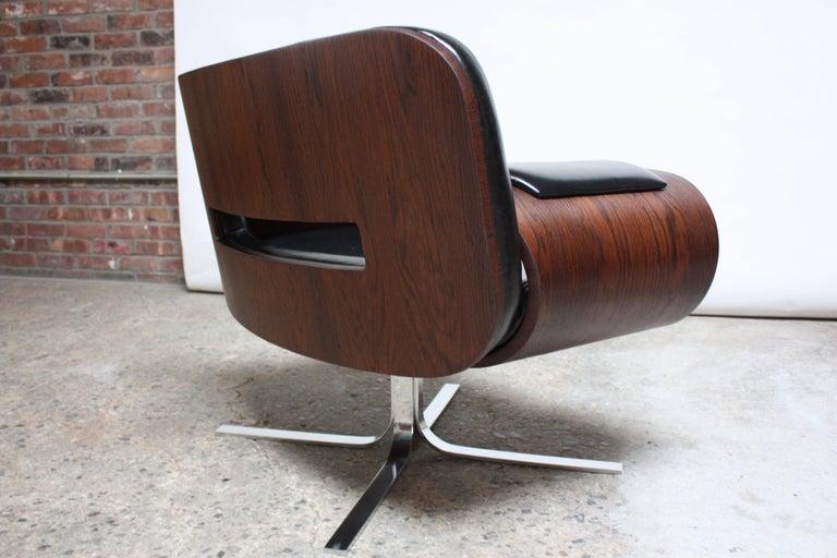 Brazilian Modern Jacaranda and Leather Swiveling Lounge Chair by Jorge Zalszupin For Sale 6