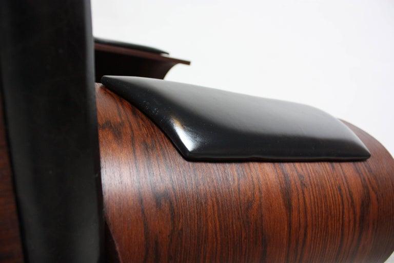 Brazilian Modern Jacaranda and Leather Swiveling Lounge Chair by Jorge Zalszupin For Sale 10