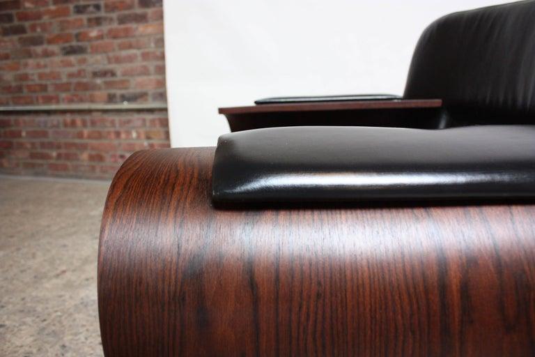 Brazilian Modern Jacaranda and Leather Swiveling Lounge Chair by Jorge Zalszupin For Sale 12