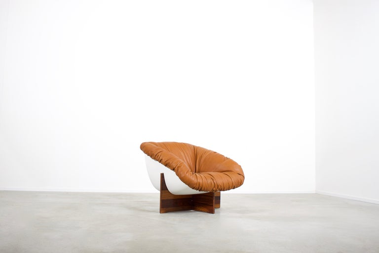 20th Century Brazilian Percival Lafer MP-61 Chair in Rosewood and Fiberglass, 1970s  For Sale