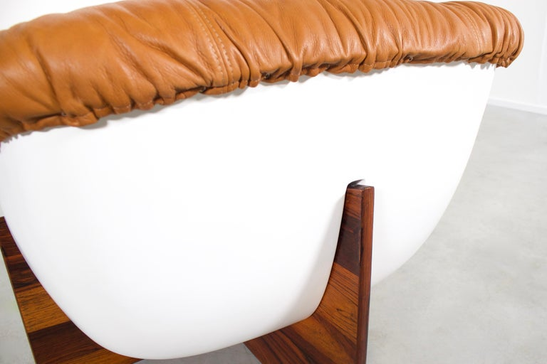 Brazilian Percival Lafer MP-61 Chair in Rosewood and Fiberglass, 1970s  For Sale 3