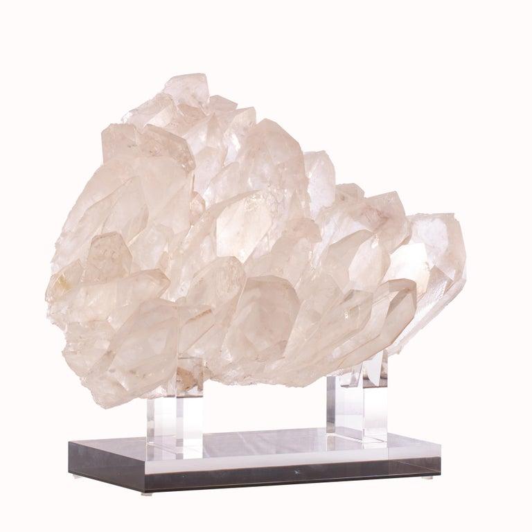 Brazilian Quartz Cluster Sculpture in Acrylic Base In New Condition For Sale In Polanco, CDMX