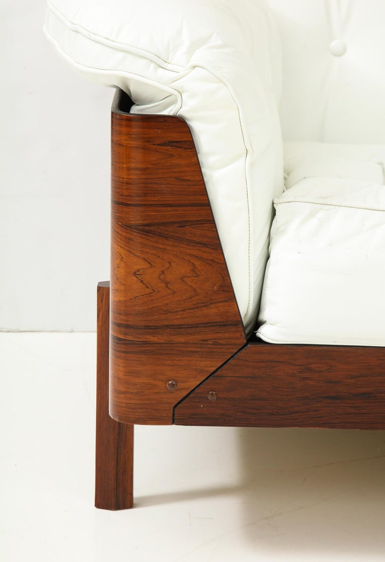 Sofa in Jacaranda and White Leather by J.D. Moveis e Decoracoes For Sale 5