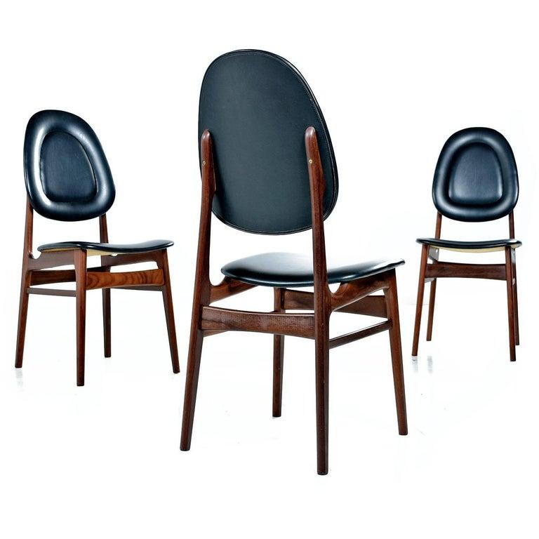 Brødrene Sørheim Norwegian Walnut Dining Chairs Set of Six In Excellent Condition For Sale In Saint Petersburg, FL