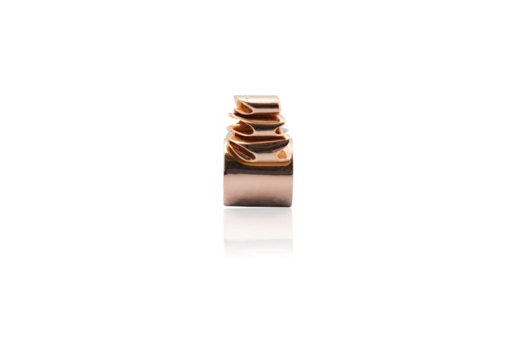 Round Cut Articulate Your One of a Kind with Contemporary Diamond Rose Gold Fashion Ring For Sale