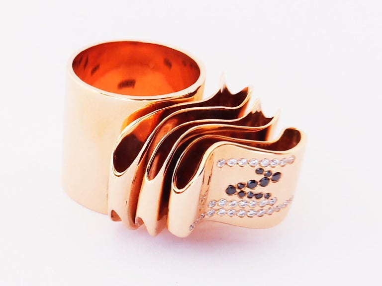 Articulate Your One of a Kind with Contemporary Diamond Rose Gold Fashion Ring For Sale 3