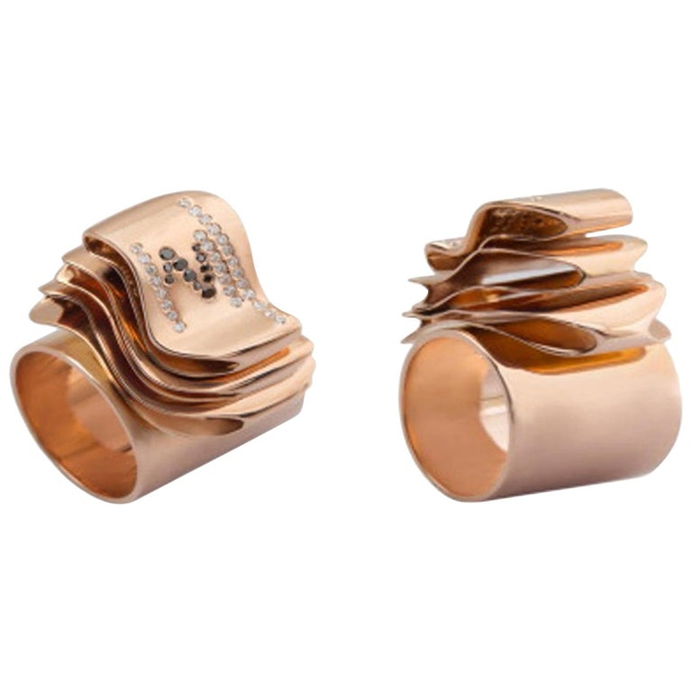 Articulate Your One of a Kind with Contemporary Diamond Rose Gold Fashion Ring For Sale