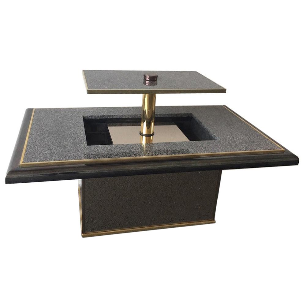 Breathtaking Coffee Table with Drinks Cupboard / Opens Magic