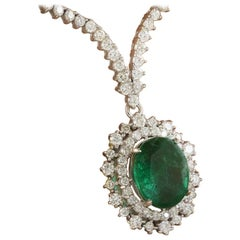 Breathtaking Green Emerald Diamond 18 Karat White Gold Pendant Necklace for Her