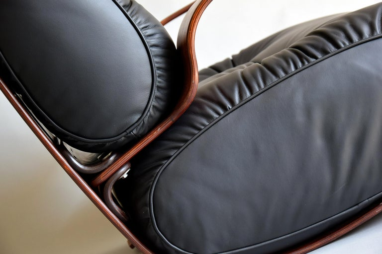 Breathtaking Mid-Century Modern Leather and Plywood Rocking Chair For Sale 6