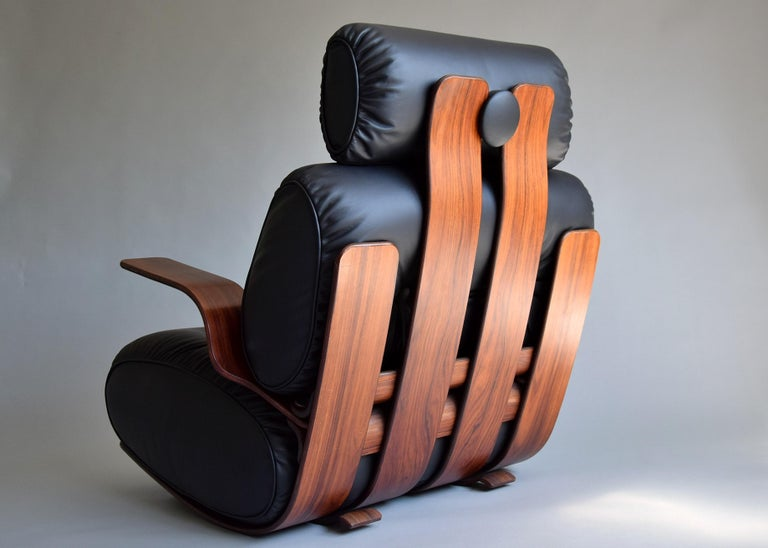 Breathtaking Mid-Century Modern Leather and Plywood Rocking Chair For Sale 7