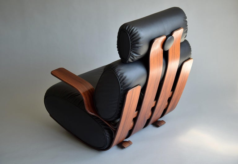 Breathtaking Mid-Century Modern Leather and Plywood Rocking Chair For Sale 9