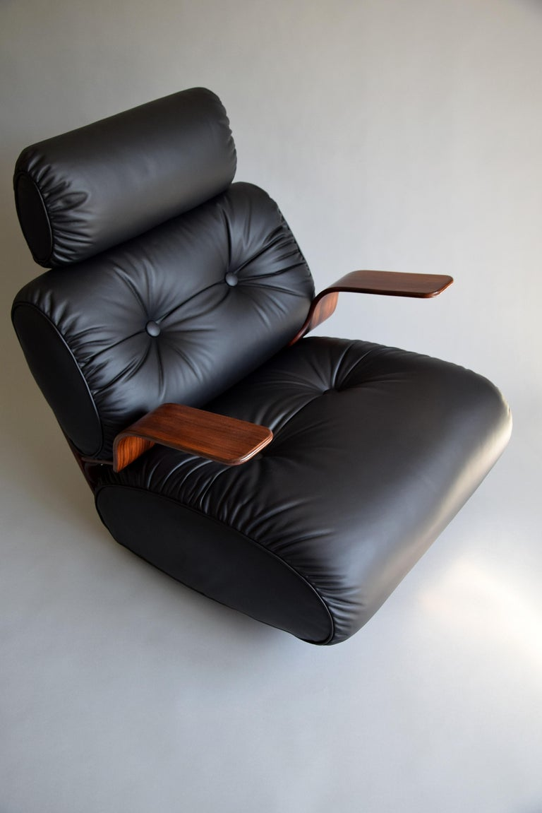 Breathtaking Mid-Century Modern Leather and Plywood Rocking Chair For Sale 1