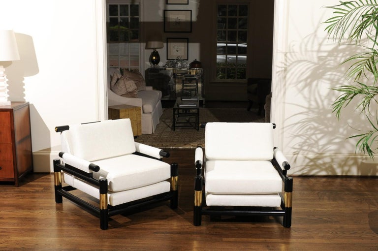 Breathtaking Pair of Modern Floating Pagoda Club Chairs by Baker, circa 1980 For Sale 3