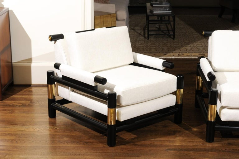 Breathtaking Pair of Modern Floating Pagoda Club Chairs by Baker, circa 1980 For Sale 4