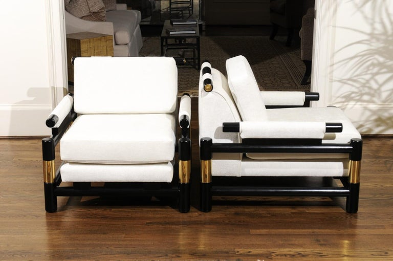 Breathtaking Pair of Modern Floating Pagoda Club Chairs by Baker, circa 1980 For Sale 6