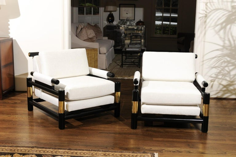 Breathtaking Pair of Modern Floating Pagoda Club Chairs by Baker, circa 1980 For Sale 2