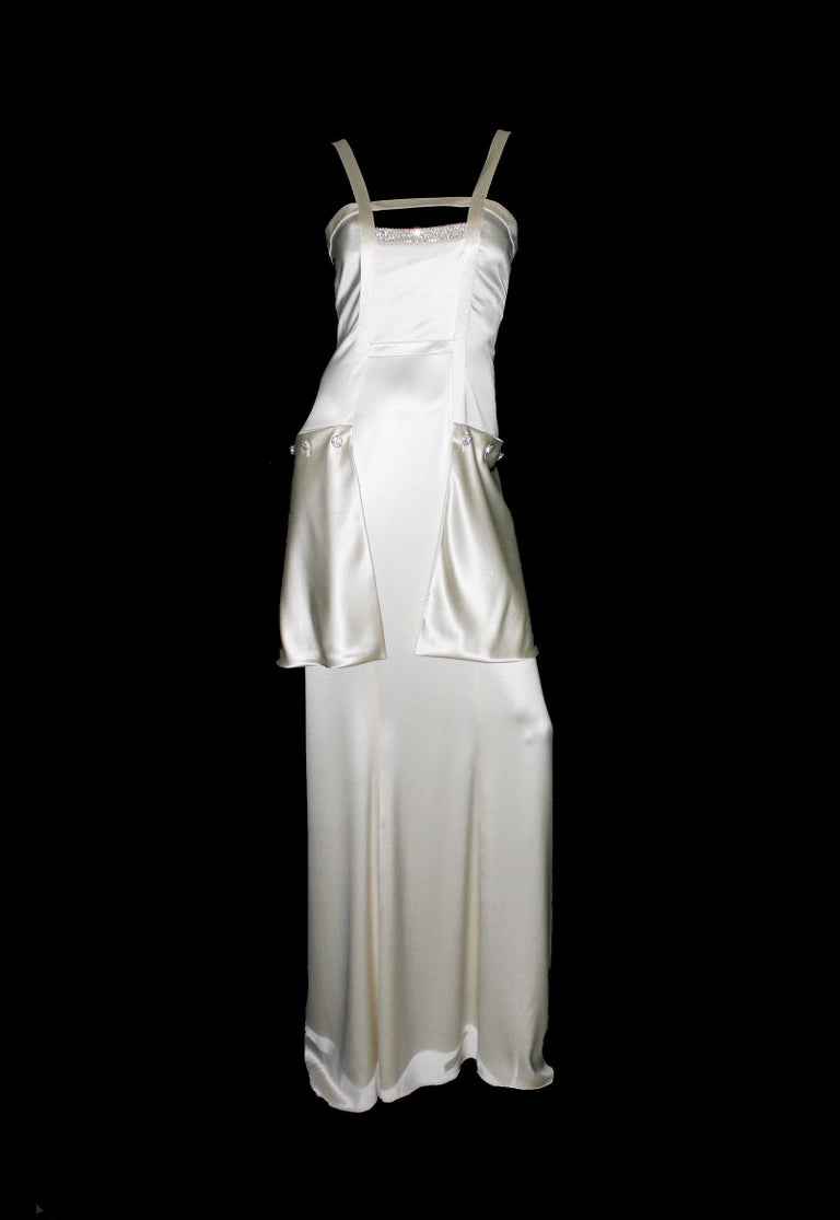 INCREDIBLE  VALENTINO   GRECIAN GODDESS IVORY SILK & CRYSTALS EVENING GOWN   Gorgeous off-white evening gown inspired by the Grecian goddesses by VALENTINO Created by designer Valentino Garavani himself Sexy cutout area Attached outside pockets with
