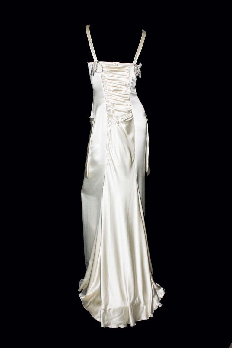 Breathtaking Valentino Silk Crystal Evening Wedding Bridal Goddess Gown Dress In Good Condition For Sale In Switzerland, CH