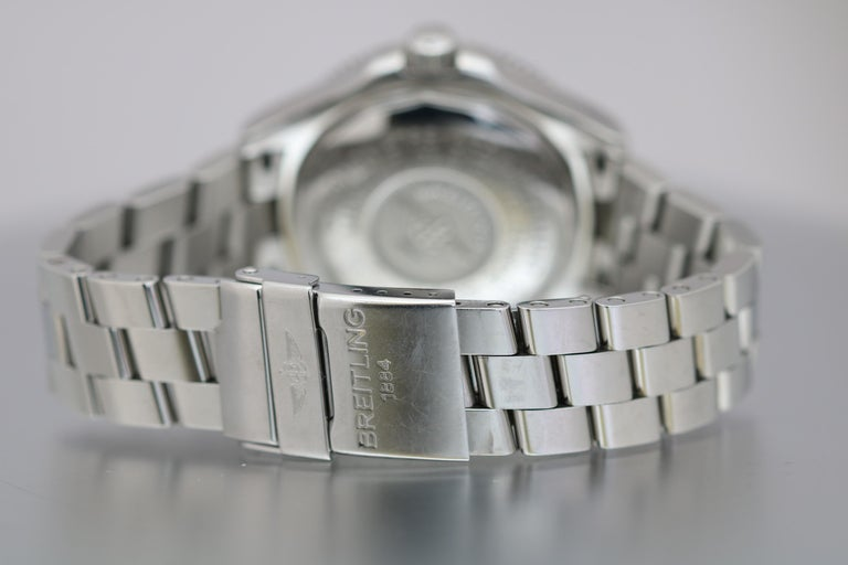 Breitling SuperOcean 42 Stainless Steel Automatic Ref A17364 circa 2010 In Good Condition For Sale In Miami Beach, FL