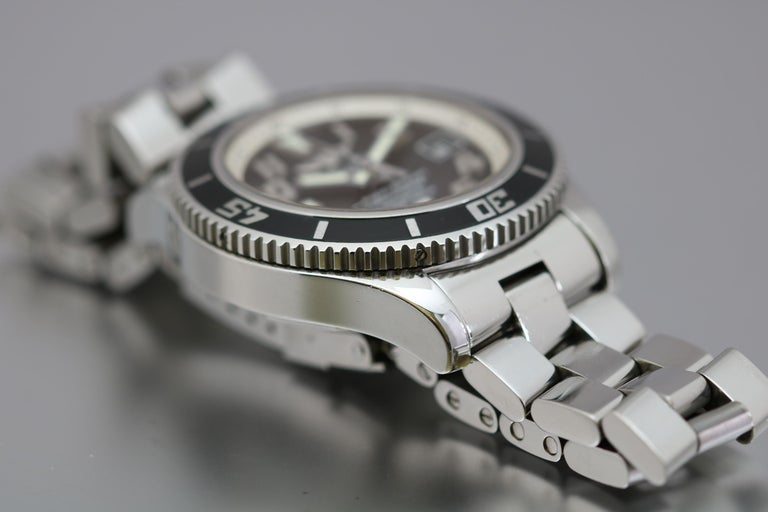Men's Breitling SuperOcean 42 Stainless Steel Automatic Ref A17364 circa 2010 For Sale
