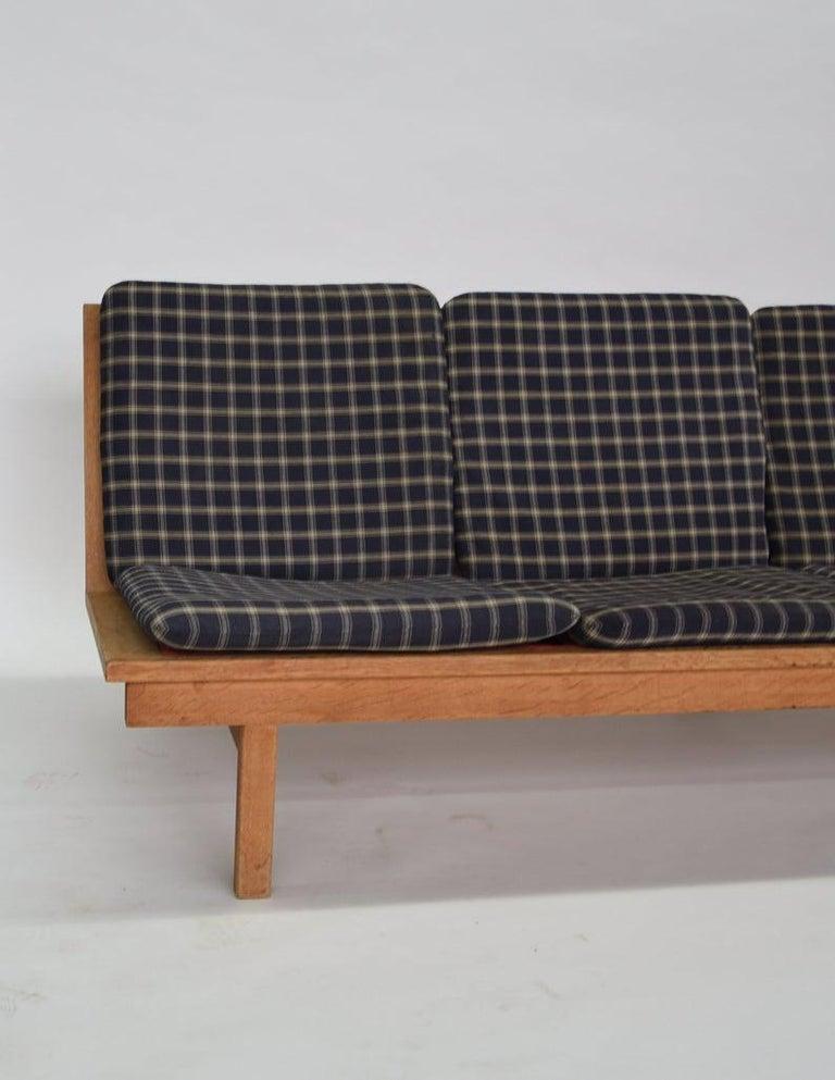 Danish Børge Mogensen 4-Persons, Sofa, Modell BM 2219, Couchbank BM2219, Midcentury For Sale