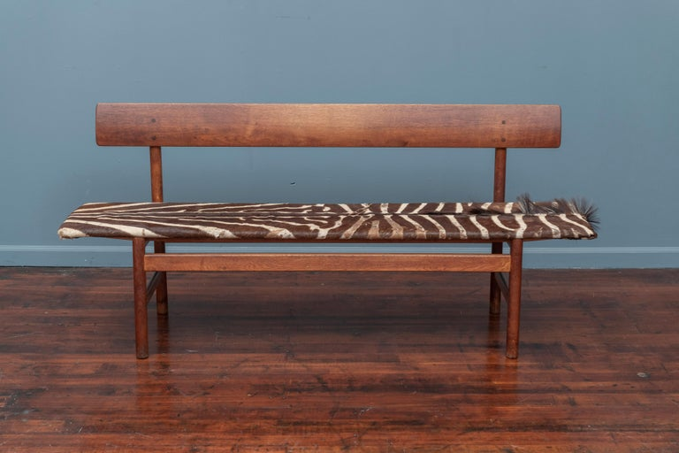 Børge Mogensen bench model 3171, designed in 1956 for Fredericia Møbelfabrik. Vintage original example with signs of use and wear.