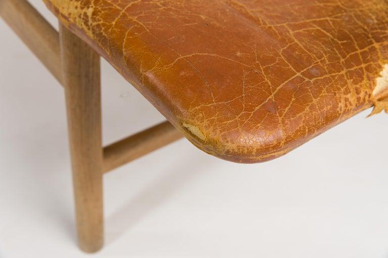 Børge Mogensen Bench Model 3171 for Fredericia Møbelfabrik Seat Leather In Distressed Condition For Sale In Lasbek, DE
