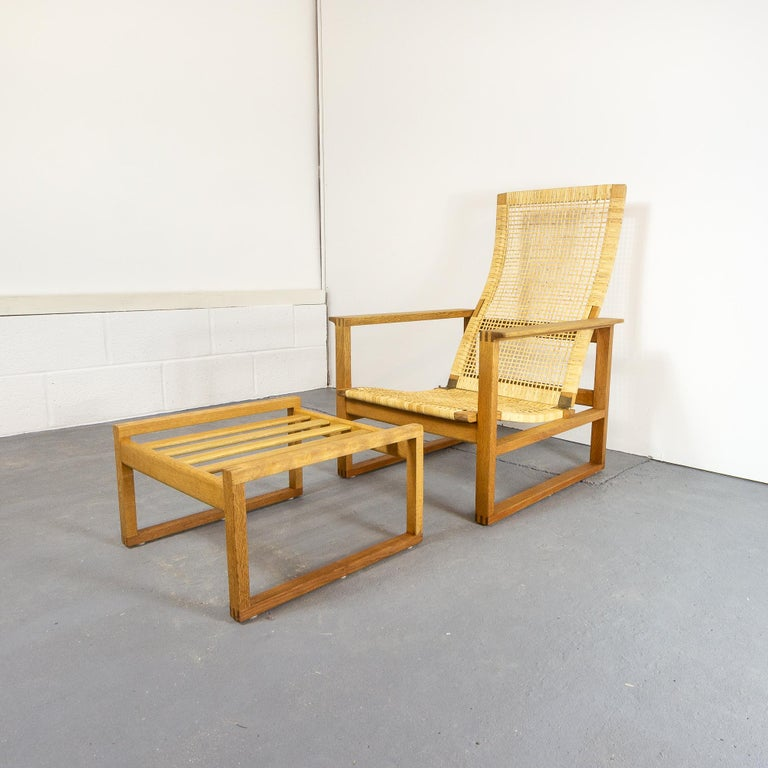 Børge Mogensen BM-2254 Reclining Armchair and Footstool, Denmark, 1950s For Sale 3