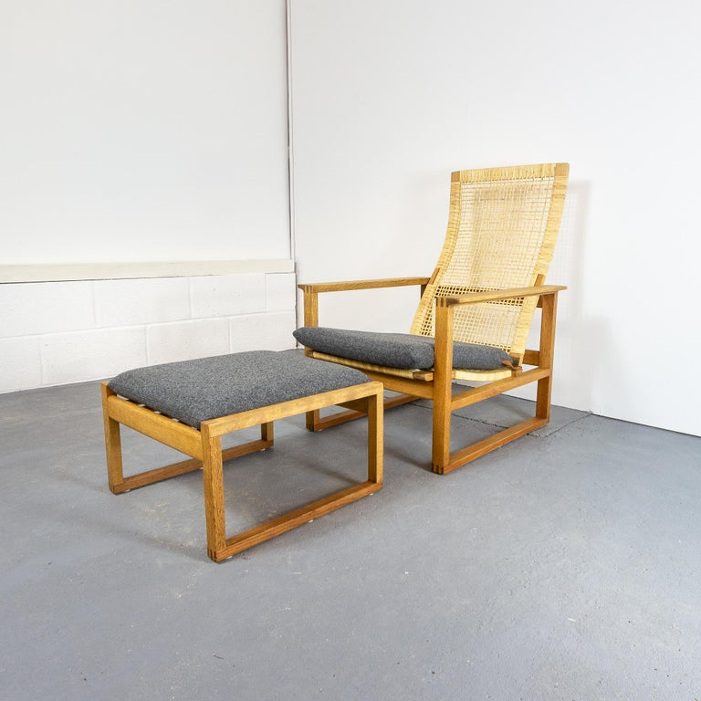 Børge Mogensen BM-2254 Reclining Armchair and Footstool, Denmark, 1950s For Sale 5