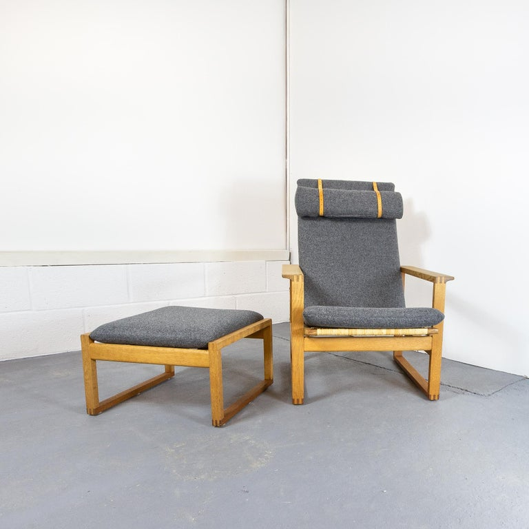 Børge Mogensen BM-2254 Reclining Armchair and Footstool, Denmark, 1950s For Sale 1