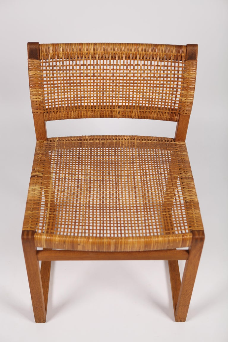 Børge Mogensen, Dining Chairs in Oak and Woven Cane, Denmark, 1957 For Sale 5
